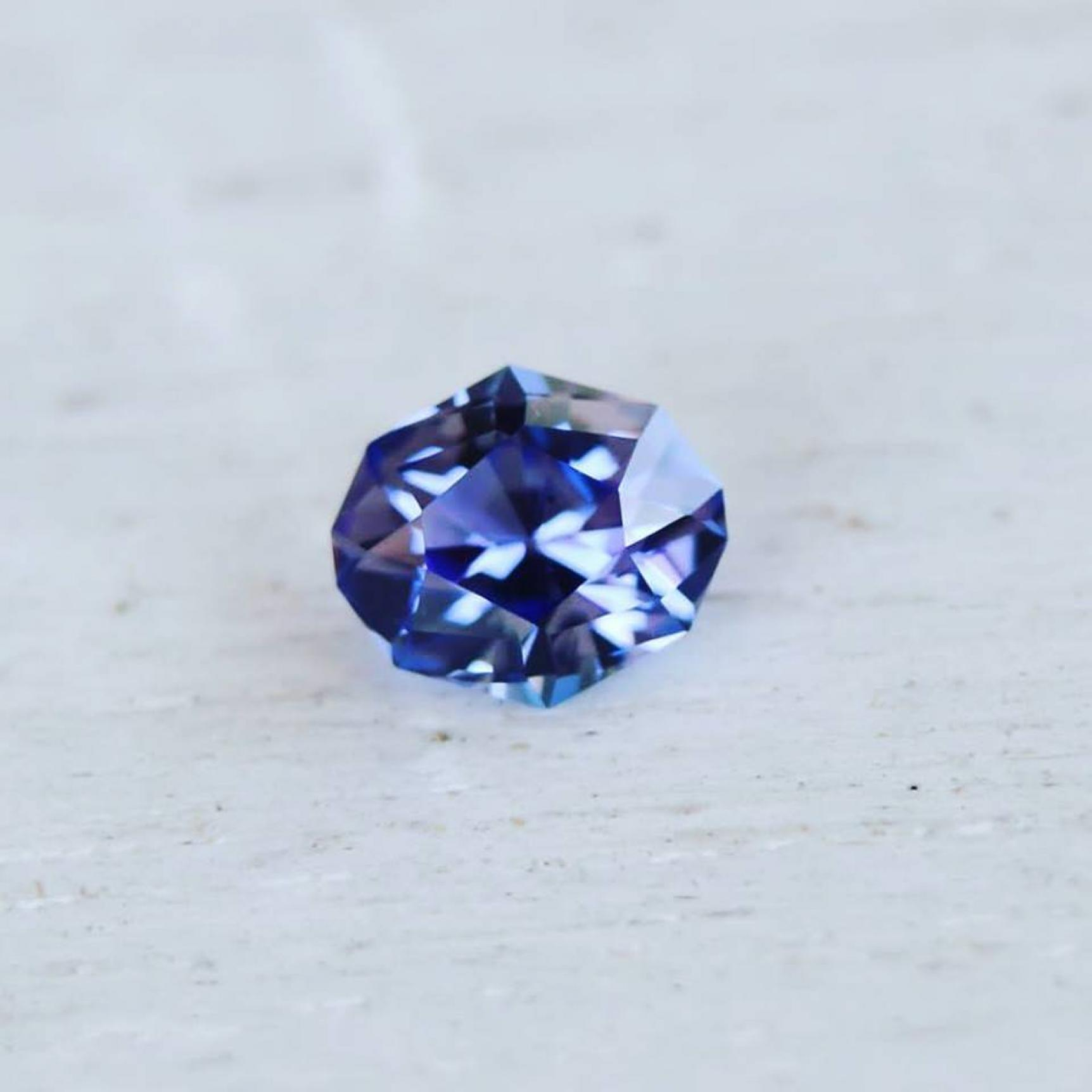 langford gems tanzanite product oval colour bi bicolour